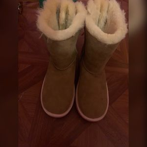 Chestnut & Pink Bailey Bow Uggs